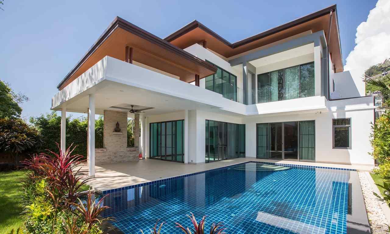 havuzlu lüks betonarme ev